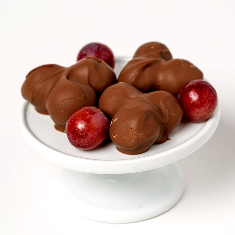 Chocolate Covered Grapes With Nuts